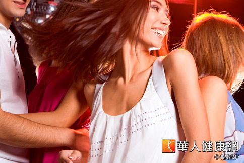年底派對接踵而至,女孩們除了煩惱穿著,更該注意如何保持美麗健康的體態。