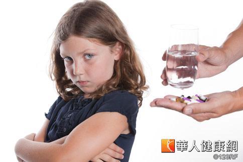 國內安眠藥濫用嚴重,門診中曾出現女幼童長期服用安眠藥成癮病例。