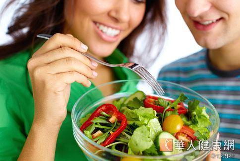 多吃蔬果好處多多,不僅增加膳食纖維攝取,更可以抗老化。