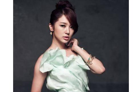 擁有鄰家女孩氣質的韓星尹恩惠,靠著自創泡菜減肥食譜,甩肉9公斤。(圖片/取材自尹恩惠臉書)