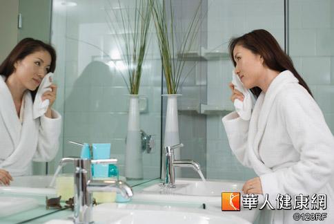 新嫁娘們為了要在婚禮上美美的亮相,肌膚清潔保養工作不可少。