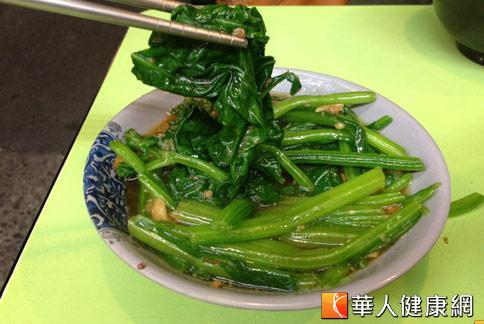 菠菜長久以來都被視為鐵質含量豐富的疏菜,事實上只是一個百年來的大誤會。(攝影/黃志文)
