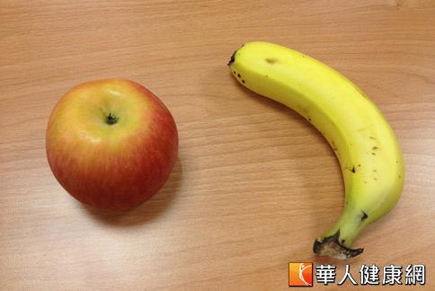 蘋果、香蕉對腹瀉、便秘都有幫助,但吃法可能大不同。(攝影/黃子倫)