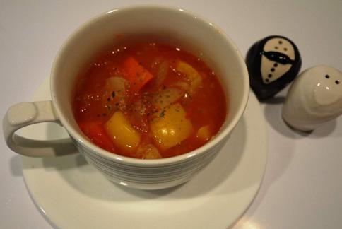 富含鉀的蔬菜冷湯很適合夏天食用。(圖片提供/營養師趙函穎)