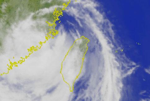 據氣象預報圖顯示,蘇力颱風雖逐漸離台,但仍需注意豪雨警報。(圖片/取材自中央氣象局)