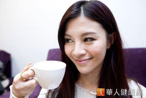 女性常喝四物湯保護子宮和卵巢,但陳玫妃中醫師提醒四物湯需因應個人體質和四季變化而調整配方比例。(圖片/本網站資料照片)