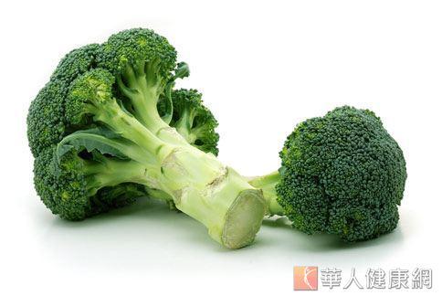 一提到十字花科植物,許多人直接聯想到花椰菜。營養師表示,十字花科植物因分別含有類黃酮、胡蘿蔔素、酚類、有機硫化物等植物化合物,具有防癌效果。