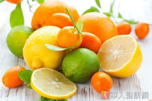 柑橘類水果含有豐富水溶性纖維和防癌營養素,但因糖分高,每天攝取不宜超過600公克。