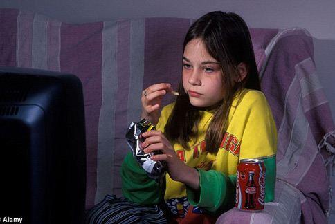 小孩喝太多汽水可樂,不僅容易發胖,還可能影響心智發展,變得較衝動、具侵略性。(圖片/取材自英國《每日郵報》)