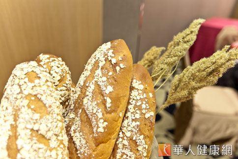 天然不含人工添加物的麵包,只會有淡淡香氣,而非過濃的不自然香氣。(圖片/華人健康網)