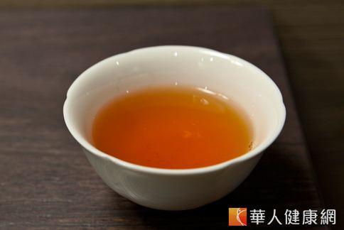 紅茶、綠茶中的類黃酮化合物,對於清除口腔細菌、預防蛀牙有幫助。(圖片/華人健康網)