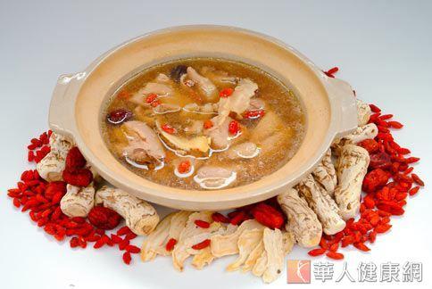 養生雞湯可補充蛋白質和營養,補充治療時消耗的體力。