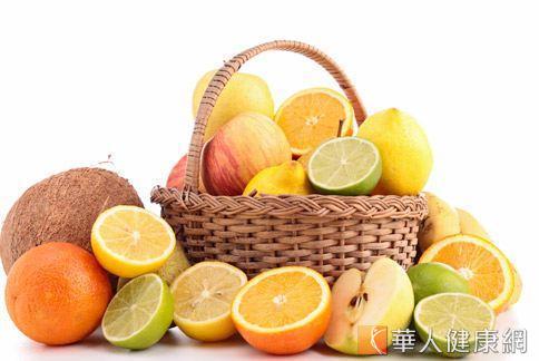 水果有天然甜的糖份,加上豐富膳食纖維,有助於增加飽足感。