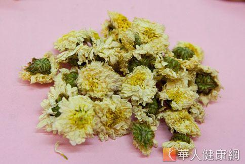 菊花具有解毒功效,能降火、明目、清心。