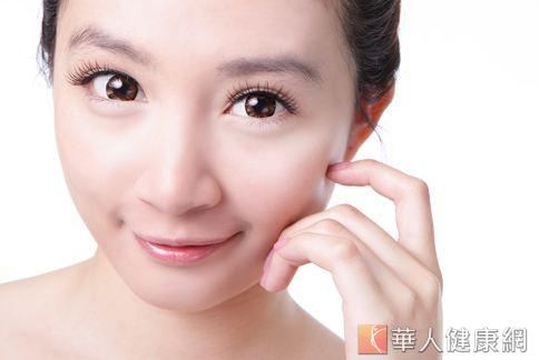 健康的肌膚有助於提升淨白和修復肌膚的效果。