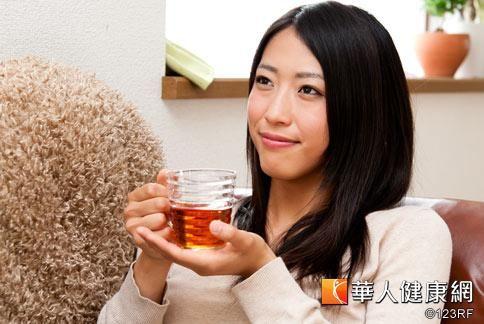 來杯百合玉竹潤膚茶,讓你擁有好氣色。