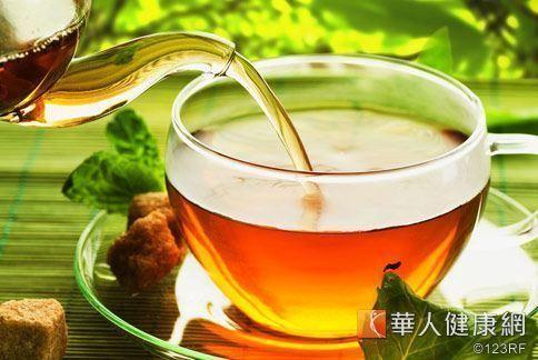 高血脂型肥胖族群,可以試試每天飯前飯後喝杯荷葉烏龍茶,幫助消脂、去心火。