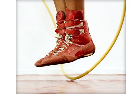 跳繩有助於增進心肺能力,還可以燃脂瘦腿,推薦給想運動又懶得上健身房的人。(圖片/取材自美國《Web MD》網站)
