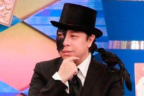 蔡康永右臉神經失調在中西醫治療下逐漸康復中。(圖片/取材自youtube)