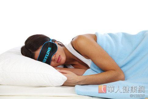 研究指出,周末補眠無法滿足平日所缺乏睡眠。