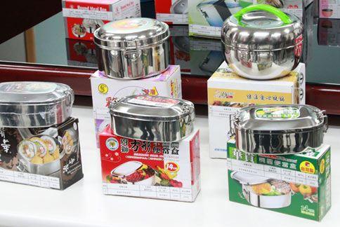 台北市衛生局今公布市售不鏽鋼餐具抽驗統計,20個樣本中有5件檢驗出錳含量超標10%。(圖片提供/台北市衛生局)