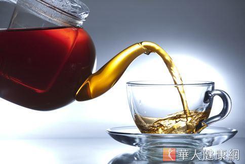 蜂蜜具有潤腸通便之效,搭配黑芝麻、杏仁等效果更加分。