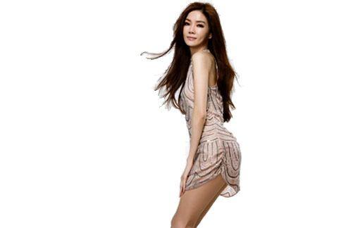 「電音女王」謝金燕,代言廣告商品,造成脊椎滑脫症狀。(圖片取自/【沉魚落燕】 《謝金燕專屬後援會》
