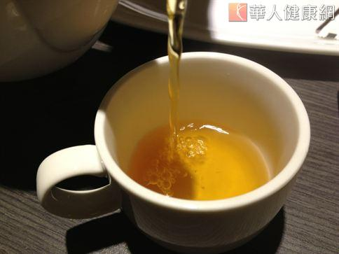 茶中所含的多酚對於抗老化、衰老確實很有幫助,但要注意的是茶飲類也是含有咖啡因的飲品,在每日飲用量的量上仍須加以控制,避免造成身體負擔。(圖片/本站資料照片)