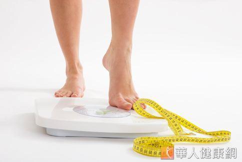 體重停在同一個地方降不下來?快來自我檢視一下是什麼原因。