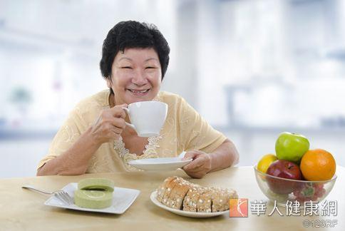 生過大病、體虛的人,都可以以人參切片,沖泡參茶飲用。