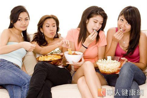 食慾之秋,隨著天氣轉涼,胃口也跟著變好,要怎麼降低口腹之慾,是秋冬減重的要點之一。