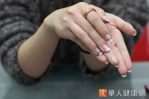 現代女性熱愛指甲彩繪,又逢秋冬天氣乾冷,手部容易有老化現象。(圖片/本網站資料照片)
