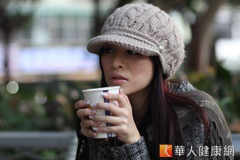 冬天想來杯熱咖啡?小心咖啡因反而是讓身體不能保溫的因素。(圖片/華人健康網)