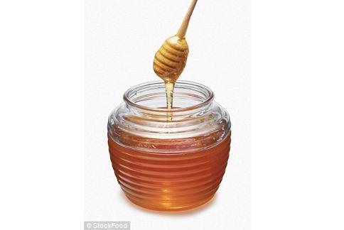 蜂蜜是天然糖份來源,還有多種礦物質營養素。(圖片╱取材自英國《每日郵報》)