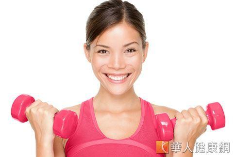 運動可促進毛孔擴張,醫師提醒運動時不要化妝,以免造成毛孔阻塞,形成粉刺。