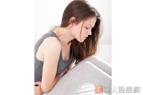便秘是多數女性的難言之隱,看著隆起的小腹只想快點把宿便清理乾淨。