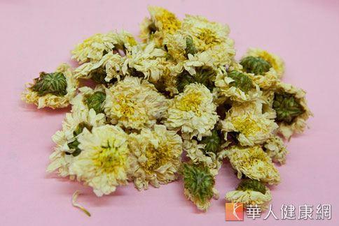 菊花具有舒肝解鬱、降火氣的功效,適合消除火氣大所引發肌膚問題的女性。(圖片/本網站資料照片)