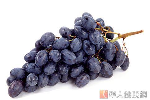 葡萄能幫助體內排毒,還能保有好氣色,是有利減重的水果。