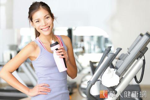 搭配有氧運動以及訓練肌力的運動,更能提升身體基礎代謝。