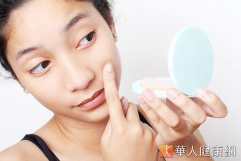 女性在20至25歲左右,膠原蛋白會開始流失,肌膚出現老化現象。