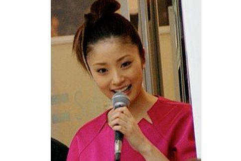 日本女星上戶彩吃便當前,必吃一盤無油的燙高麗菜。(圖片/取材自維基百科)