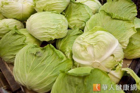 除了有減重效果,高麗菜也被稱為「廚房的天然胃藥」。
