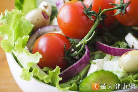 正確的減重方式,建議採取均衡飲食熱量控制。