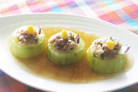 「大黃瓜鑲肉」的熱量僅45大卡,適合當作減重時的配餐食用。(圖片提供/侯玟伊營養師)