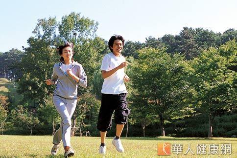 每天活動量保持在至少90分鐘,就可以有效預防乳癌的發生。
