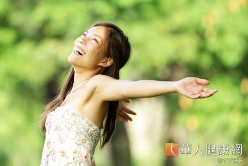 深呼吸可以讓副交感神經作用,減少精神壓力,讓人身心靈都放鬆。