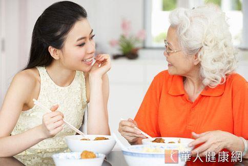 每天在飲食中增添適量的蔥、蒜等蔥科蔬菜,可以有效幫助預防多種癌症的產生。