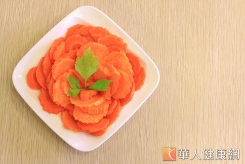 胡萝卜是护眼第一首选,不管大人小孩都能多吃。(图片/华人健康网)