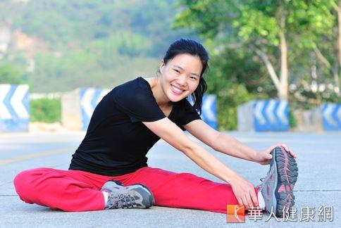 女性想要維持窈窕的腰腹曲線,遠離慢性疾病,應養成規律性有氧運動的習慣。