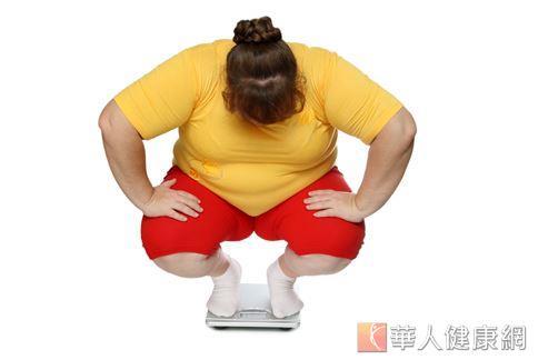 肥胖是導致腎臟疾病的危險因子之一,國健署提醒患者應積極接受治療,控制三高和減重,才是真正的保腎之道。